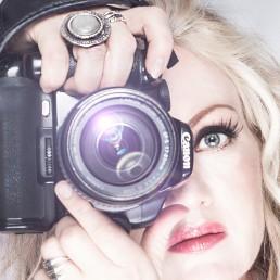 Vibeke Johnasson med kamera